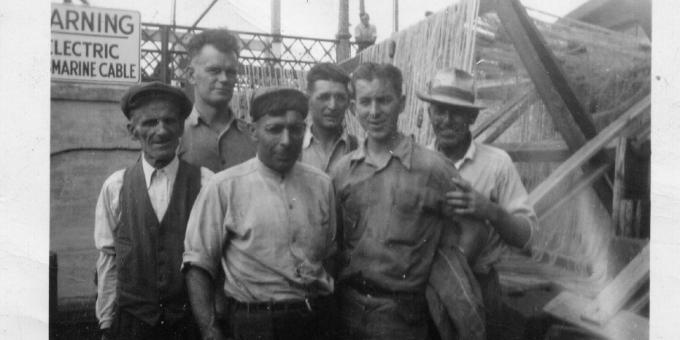 FISHING CREW - 1940s