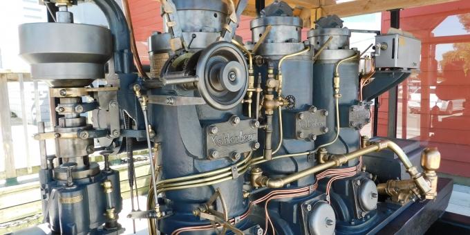 3-cylinder Kahlenberg Engine