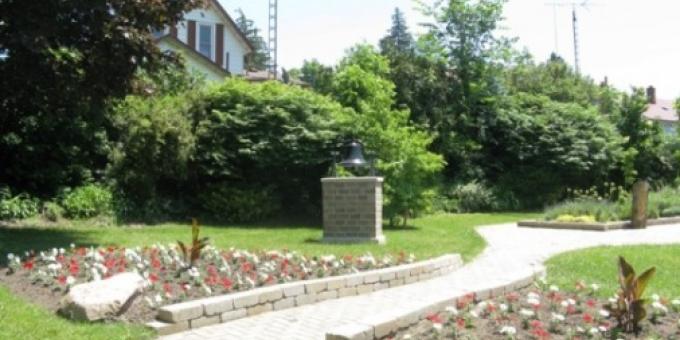 Pine Street School Bell Cairn