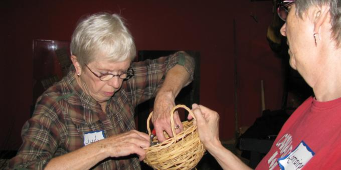 Basket making workshop - Judy Huggins, instructor