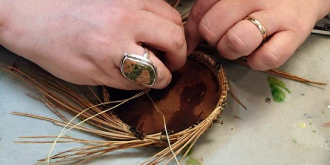 Pine Needle Basketry Workshop with Kathleen Baleja
