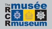 Musée The Royal Canadian Regiment Museum Logo on grey background