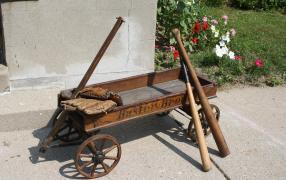 Buster Brown wagon