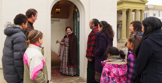Welcome to Dundurn Castle at Christmas time