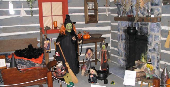 Elman W. Campbell Museum Hallowe'en Party 7:00-8:30pm Saturday, October 26.